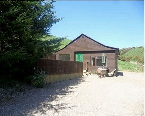 Aberdeenshire Cabin with Hot Tub