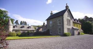 Luxury-Highland-Lodge-Swimming-Pool-sleeps-17