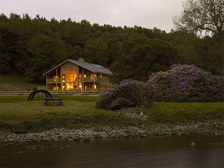 Loch Ness Inverness Luxury Cabin Sleeps 14